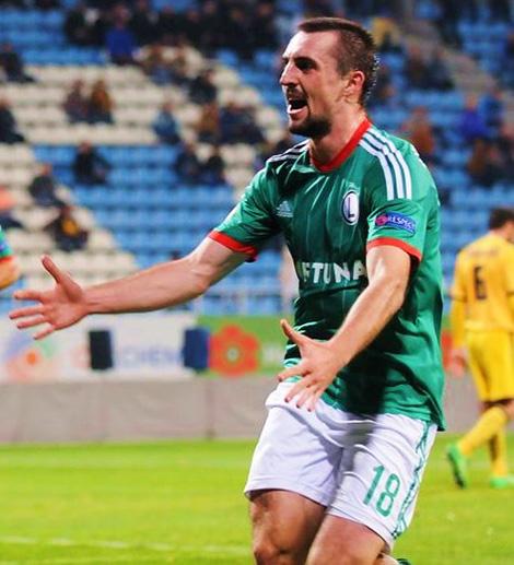 Ekstraklasa: Kucharczyk wywiązuje się z roli napastnika